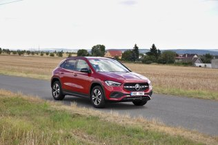 test-2020-mercedes-benz-gla-220d-4matic- (11)