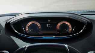 2020-Peugeot-3008-facelift- (12)