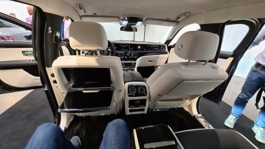 2021-rolls-royce-ghost-extended-live- (16)