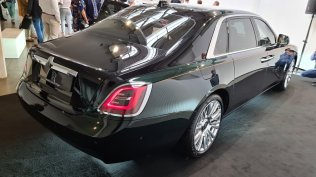 2021-rolls-royce-ghost-extended-live- (4)