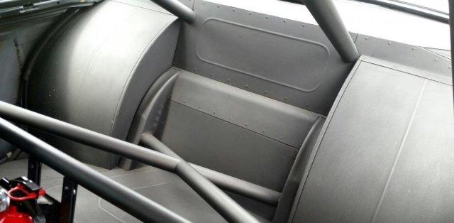 BMW-E30-s motorem-chevrolet-na-prodej- (4)