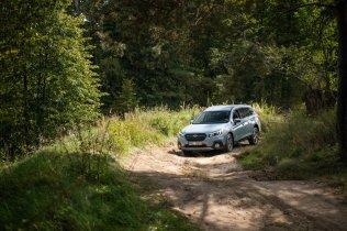 subaru-bela-pod-bezdezem-xv-forester-outback-off-road- (11)