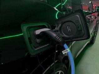 test-2020-bmw-i3-elektromobil- (32)