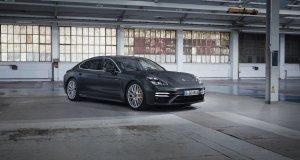 2020-Porsche_Panamera_Turbo_S_E-Hybrid- (1)