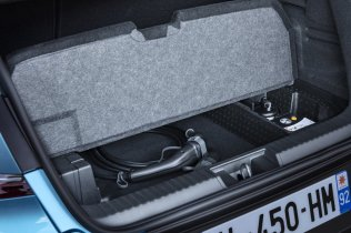 2020-Renault_Captur_E-TECH-plug-in_hybrid- (11)