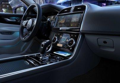 2021-Jaguar_XE_facelift- (14)