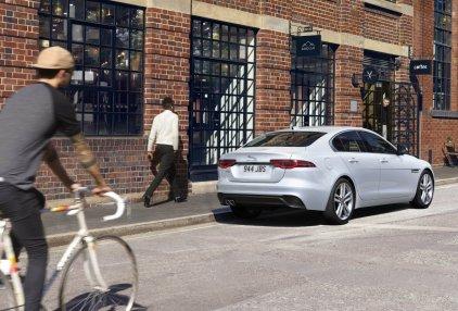2021-Jaguar_XE_facelift- (3)