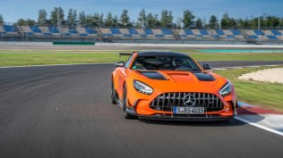 2021-mercedes-amg-gt-black-series- (22)