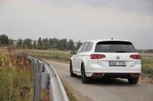 test-2020-volkswagen-passat-variant-20-tdi-4motion-dsg-r-line- (20)