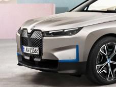 2021-elektromobil-BMW_iX- (8)