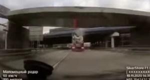 nakladni-auto-strzeny-most-video