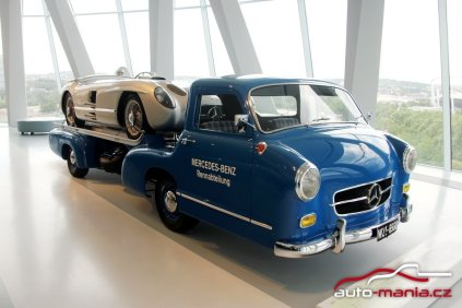 mercedes-benz_museum-mercedes-benz_blue_wonder-odtahovka- (1)