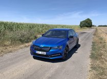 test-2020-plug-in-skoda_superb_iv-sportline- (3)