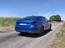 test-2020-plug-in-skoda_superb_iv-sportline- (7)