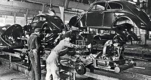 vyroba-volkswagen-brouk-70-let-wolfsburg- (2)