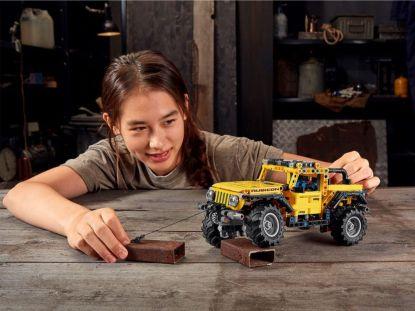 LEGO_Technic-Jeep_Wrangler_Rubicon- (6)