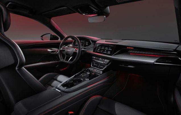 2021-Audi_RS_e-tron_GT-elektromobil- (4)
