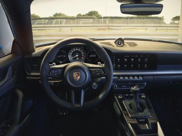 2021-Porsche_911_GT3- (12)