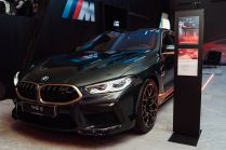 BMW_Sikora_Dealership-BMW_M-showroom- (6)