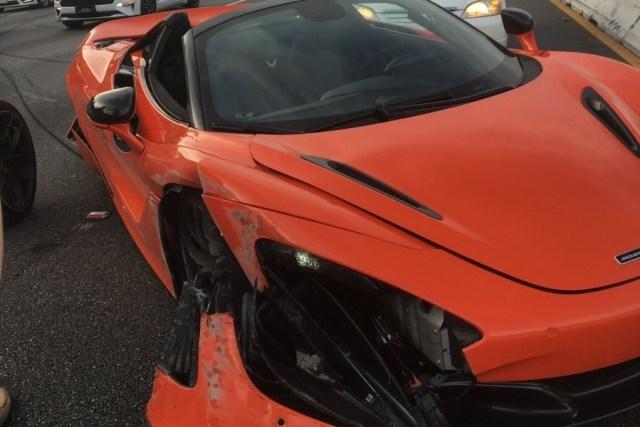 McLaren_720S_Spider-nehoda_na_dalnici-Amerika-nahled