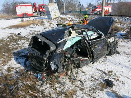 nehoda-bmw-vlak (4)