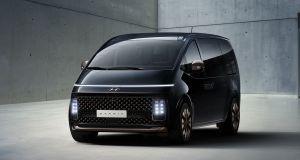 Hyundai_STARIA_Premium