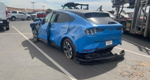2021-ford_mustang_mach_e-elektromobil-nehoda