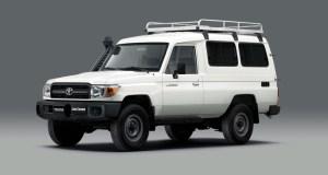 Toyota_Land_Cruiser_78-vakcinacni_automobil- (1)