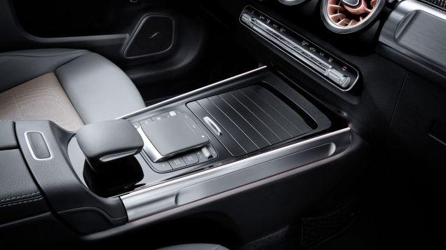 2021-elektromobil-Mercedes-Benz_EQB- (28)