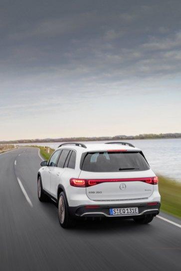 2021-elektromobil-Mercedes-Benz_EQB- (9)