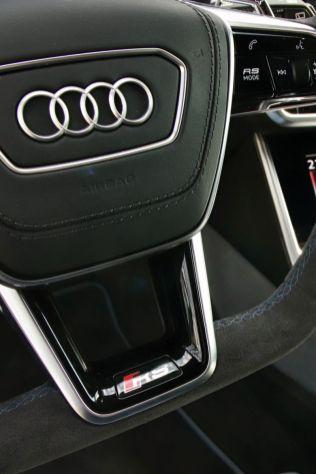 Test-2021-Audi_RS6_Avant- (35)