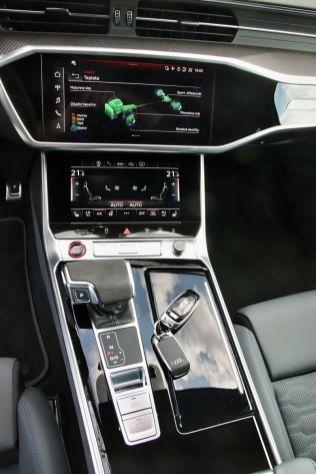 Test-2021-Audi_RS6_Avant- (36)