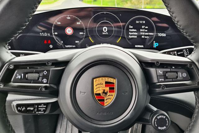 test-2021-elektromobil-porsche_taycan_turbo- (25)