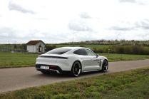 test-2021-elektromobil-porsche_taycan_turbo- (6)