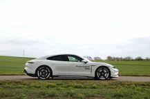 test-2021-elektromobil-porsche_taycan_turbo- (7)
