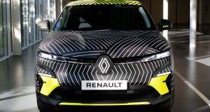2022-Renault_MEGANE_E-TECH-elektromobil- (1)