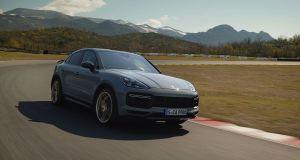 2021-Porsche_Cayenne_Turbo_GT- (1)