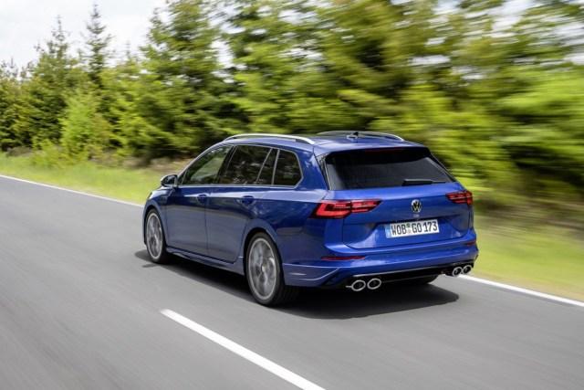 2021-volkswagen_golf_r_variant- (2)