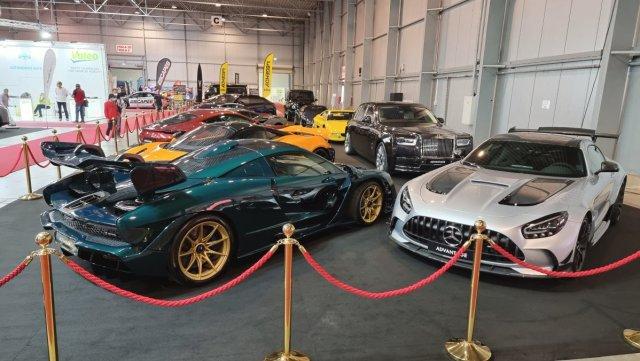2021-autoshow_praha_letnany-Mercedes-AMG-GT-Black-Series-a-McLaren-Senna