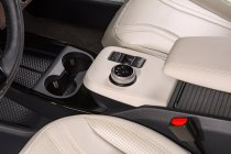 2022-Ford-Mustang-Mach-E-edice-Frost-White- (5)