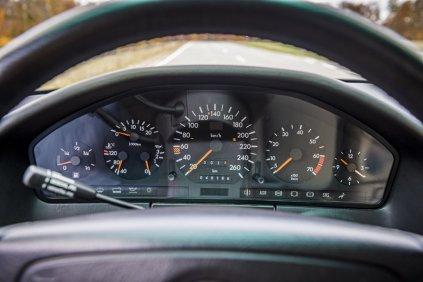 Mercedes-Benz-W140-trida-S- (12)
