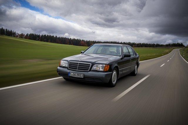 Mercedes-Benz-W140-trida-S-nahled