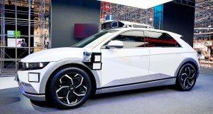 Photo_3_Hyundai Motor's booth at IAA Mobility 2021_IONIQ 5-based robotaxi
