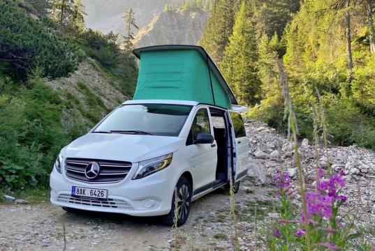 test-2021-Mercedes-Benz-Marco-Polo-Activity-300d-4MATIC-ArtVenture