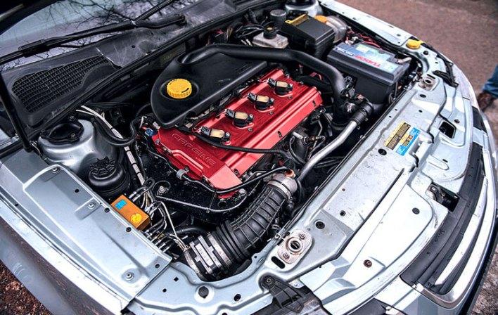 Старенький Saab с двигателем без распредвала