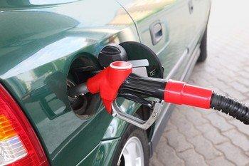 Депутаты обратились в ФАС по поводу растущих цен на топливо