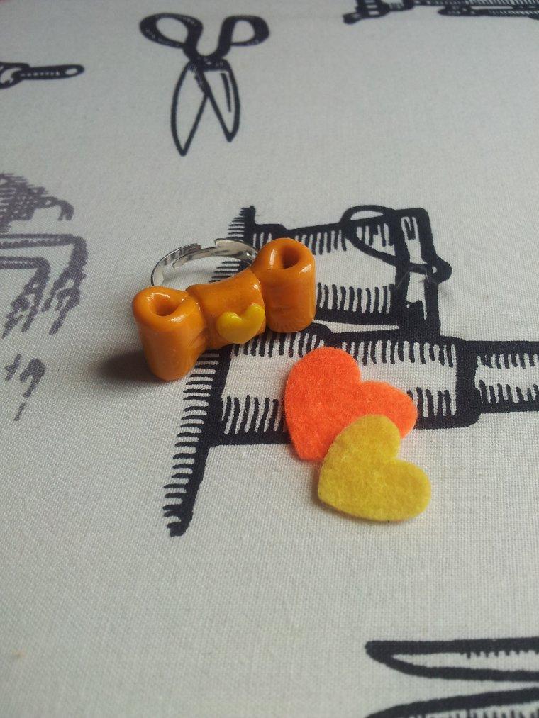 http://coeur-de-fraise-tuto.skyrock.com/3214468769-Tutoriel-n-3-La-bague-n-ud-papillon.html