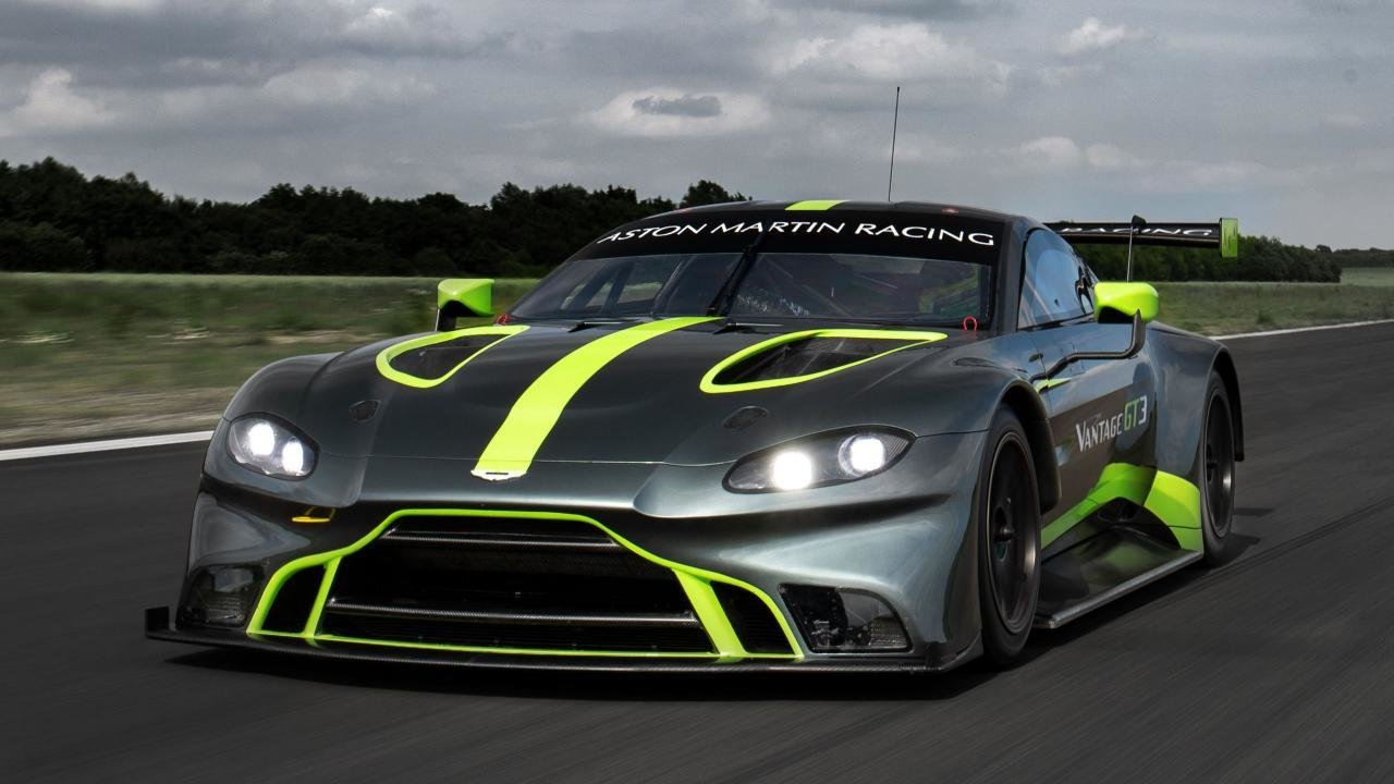 Latest Check Out The New Aston Martin Vantage Gt3 And Gt4 Race Free Download