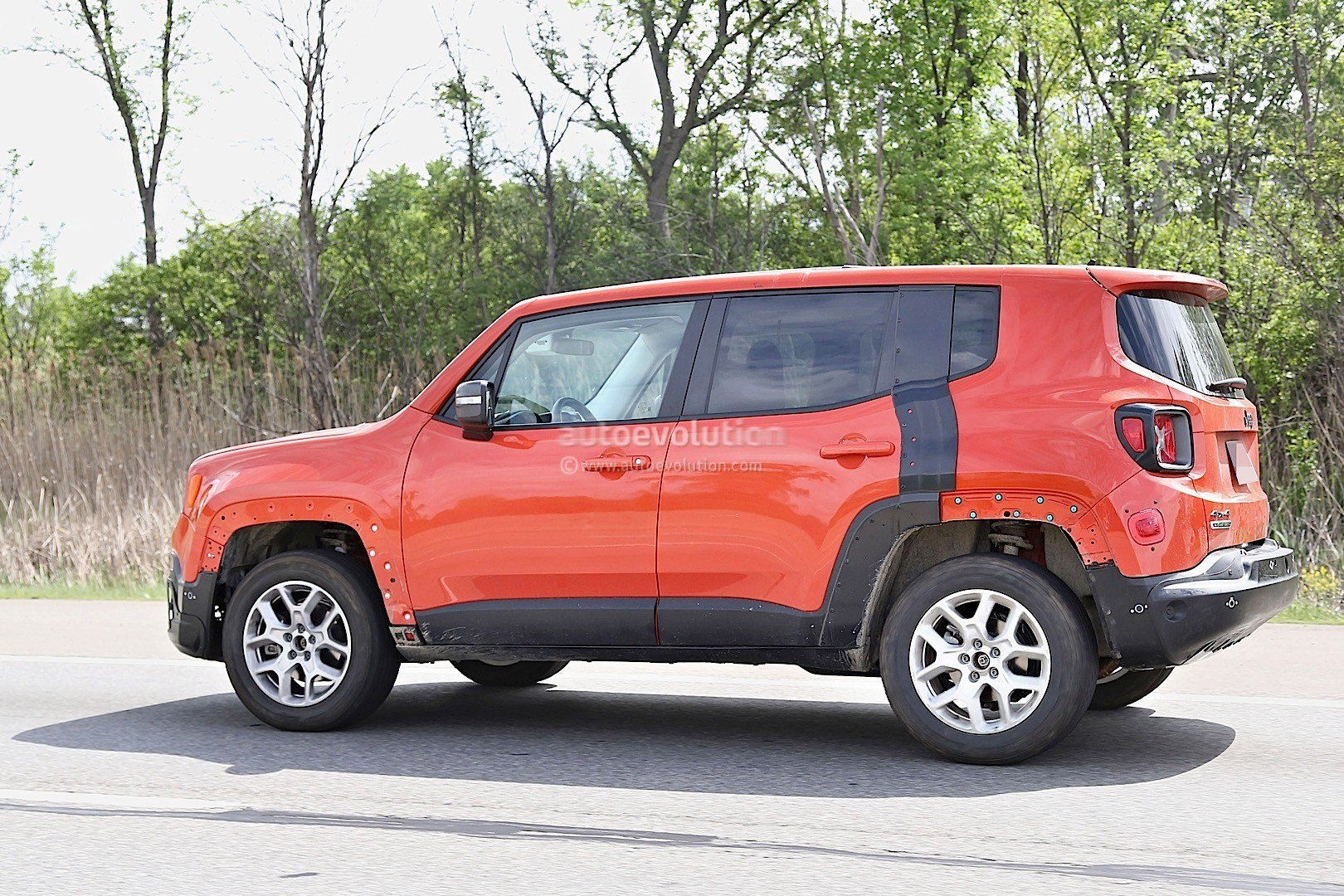 Latest 2017 Jeep C Suv Prototype Spied Wearing Renegade Body Free Download
