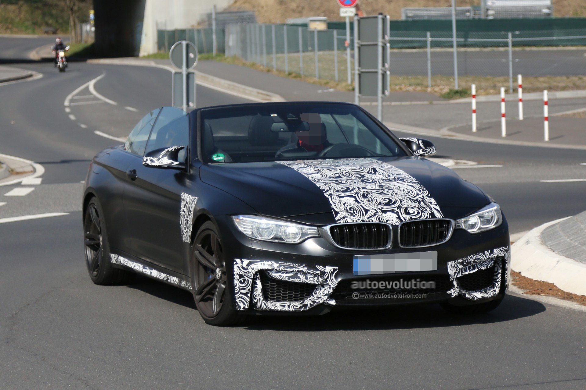 Latest Spyshots Bmw M4 Convertible Caught With The Top Down Free Download